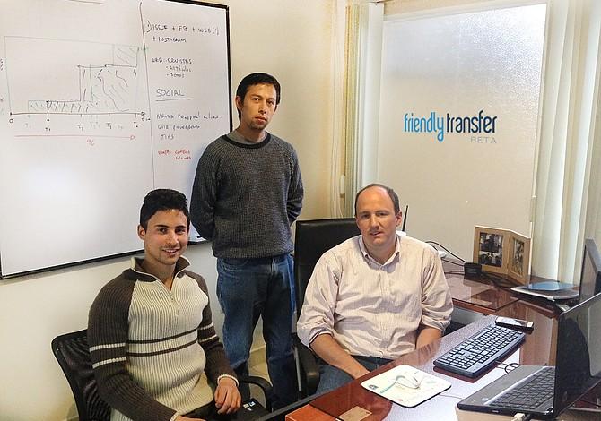 CAMBRIDGE: Emprendedores ecuatorianos crean sitio web para ahorrar al enviar dinero al exterior