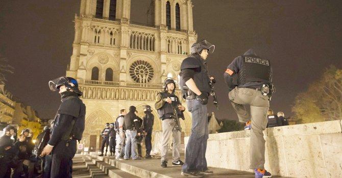 El terrorismo ataca París