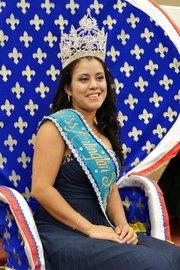 Leidy Espinoza es la Reina del Comité de Ciudades Hermanas Arlington-San Miguel 2015-2016
