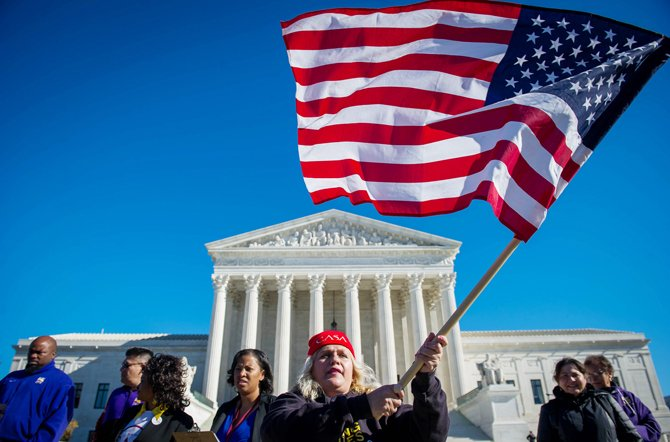 Obama takes immigration leniency plan to the Supreme Court