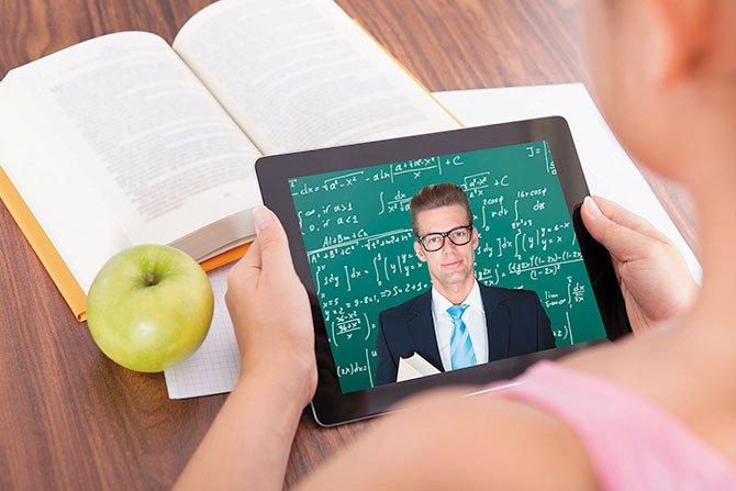 Golpe a las 'escuelas charter online'
