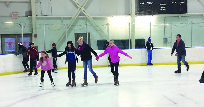 A patinar sobre hielo en Cabin John Ice Rink