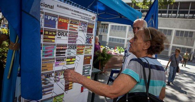 """OEA, Unasur y políticos latinoamericanos piden comicios """"en paz"""" en Venezuela"""