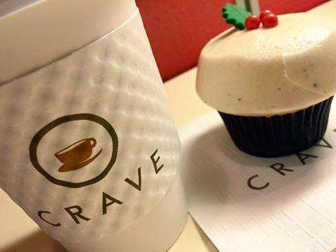 Crave Cupcakes, una pastelería local, también entró en la honda de premiar a los fans cuando los chicos de casa ganan. Para obtener dos pasteles por el precio de uno vaya a cualquier local de Crave Cupcakes el día después del triunfo de los Texans y muestre que es seguidor de la pastelería en Facebook, Instagram o Twitter.