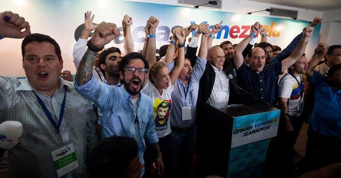 """La MUD afirma que su victoria es el """"comienzo del cambio"""" en Venezuela"""