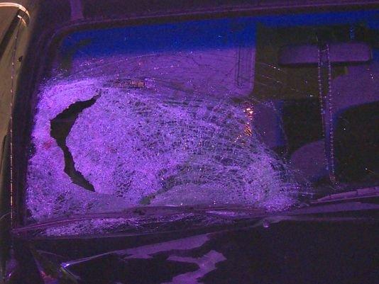 Un hombre fue atropellado por al menos cuatro carros