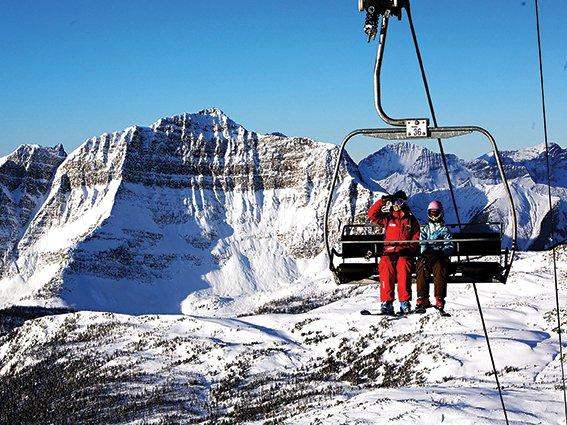 Ofrece el mejor esquí sobre nieve en polvo del mundo. Además de la estraordinaria estación Lake Lousie, cuenta con 3.116 hectáreas de anchos valles o cuencas, pistas de esquí boscoso y pistas meticulosamente compactadas.