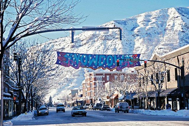 A menos de media hora al norte del centro de la ciudad. Enclavado en unas 485 hectáreas de superficie esquiable, Durango cuenta con 85 pistas adecuadas para toda la familia.