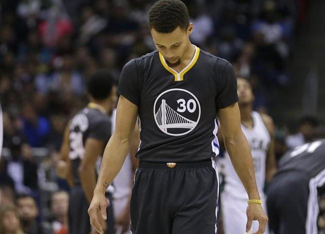 Los Milwaukee Bucks acaban con el invicto de Golden State Warriors
