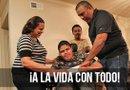 Gabriel ha contado con la ayuda incondicional de sus padres y su hermano menor para venir hasta Houston a apoyarlo en este proceso. Foto: Sylvia Obén