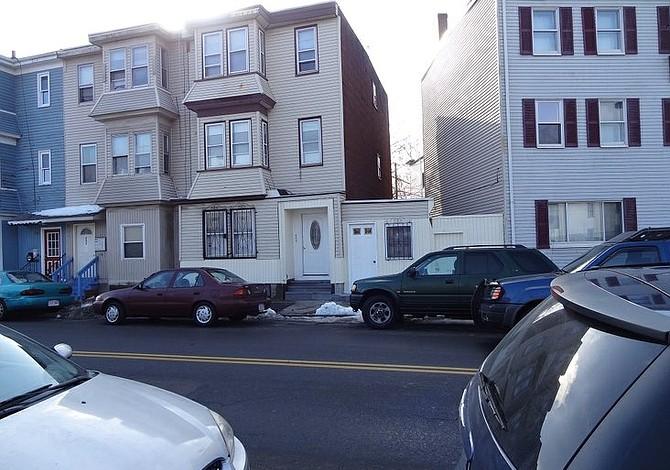 Programa de WBUR radio realiza especial sobre crisis de vivienda en East Boston