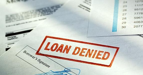 Latinos y afroamericanos siguen siendo discriminados al pedir préstamos