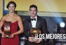El jugador argentino del FC Barcelona Lionel Messi, Balón de Oro 2015, y la estadounidense Carli Lloyd del Dash de Houston, mejor jugadora mundial 2015 de la FIFA. Foto: EFE