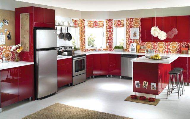 Revise mensualmente el funcionamiento de la nevera, la lavadora, el calentador de agua y el lavavajillas.