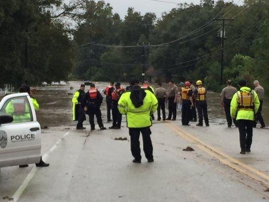 Registro de asistencia de FEMA para las víctimas de las inundaciones de Oct. termina la noche del lunes