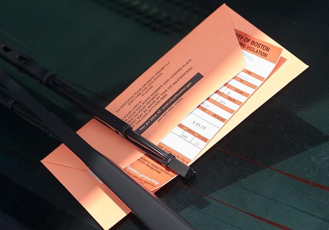 Multas de parking subirán de precio en Boston