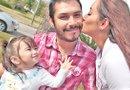 Ricardo Cedillo, Sivonney Camarena y su pequeña Rihanna son inseparables. /Foto: MARINA GIL.