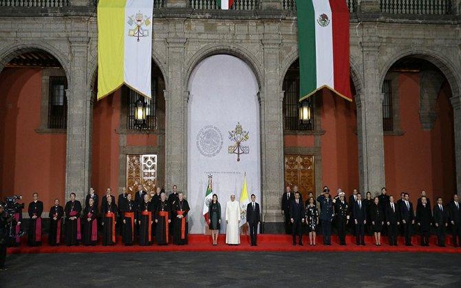 Historica presencia de un Papa en el Palacio Nacional
