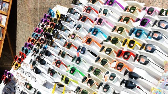Por qué los lentes de sol baratos pueden salir muy caros para los ojos