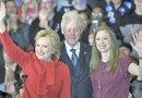Clinton prometió a los 1,200 estudiantes que acudieron al evento que su mujer se ocupará de que aquellos que viven en pequeños pueblos o zonas rurales./Foto:EFE