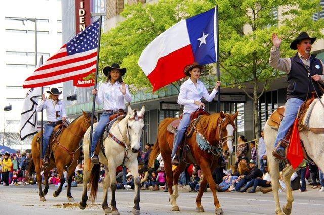 El centro de la ciudad se llenó de vaqueros quienes llegan para celebrar una edición más del famoso Rodeo de Houston.