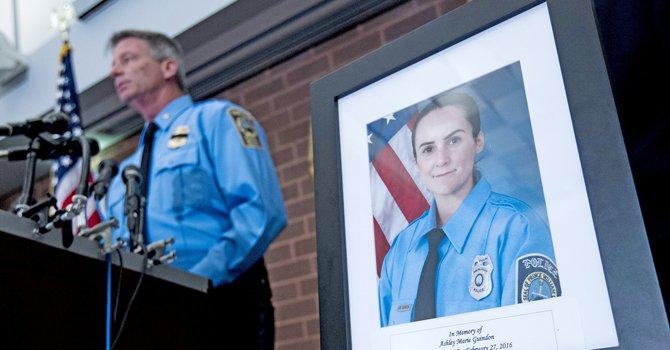 Pedirán pena de muerte para autor del asesinato de policía en Virginia