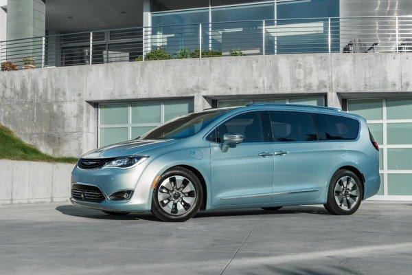 Pacifica: la última esperanza de Chrysler en las minivan