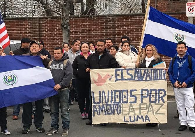 Salvadoreños en Boston manifestaron por la paz