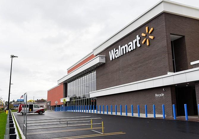 Más de 11 mil asociados de Walmart en Massachusetts recibieron un aumento salarial