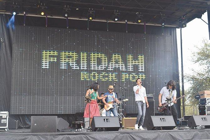 LOCALES. Con la voz de Haide González y el contagioso ritmo rock-pop, la banda Fridah Band hizo bailar a chicos y grandes durante su presentación del sábado 12 de marzo.