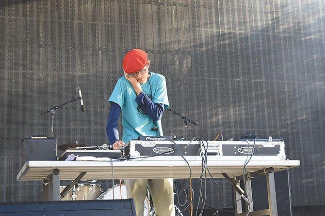 BAILE. Sólo DJ Tropicaza podía crear una mezcla de cumbia, mambo, salsa y rock en menos de dos horas.