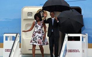 Obama llega a Cuba junto ...