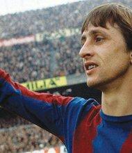 Johan Cruyff, vistiendo la camiseta del Barcelona. Foto-Cortesía: futbolsapiens.com