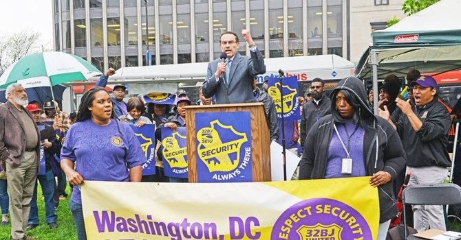 Trabajadores de seguridad piden más aumento de sueldo