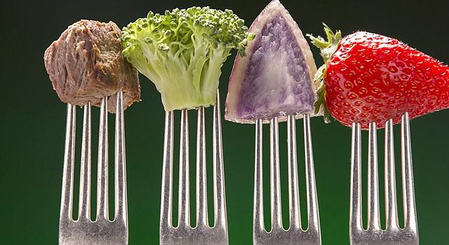 ESTUDIO.</span> Ínvestigadores de dos universidades estadounidenses conectan el sonido de los alimentos al masticar con la pérdida de peso.