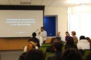 Pamela Jiminian de ¡emprende! presenta su propuesta empresarial Community Power