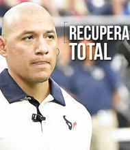 Rolando Ramírez es uno de los encargados de la recuperación física de los jugadores de los Texans de Houston, un trabajo que realiza con entrega y pasión.