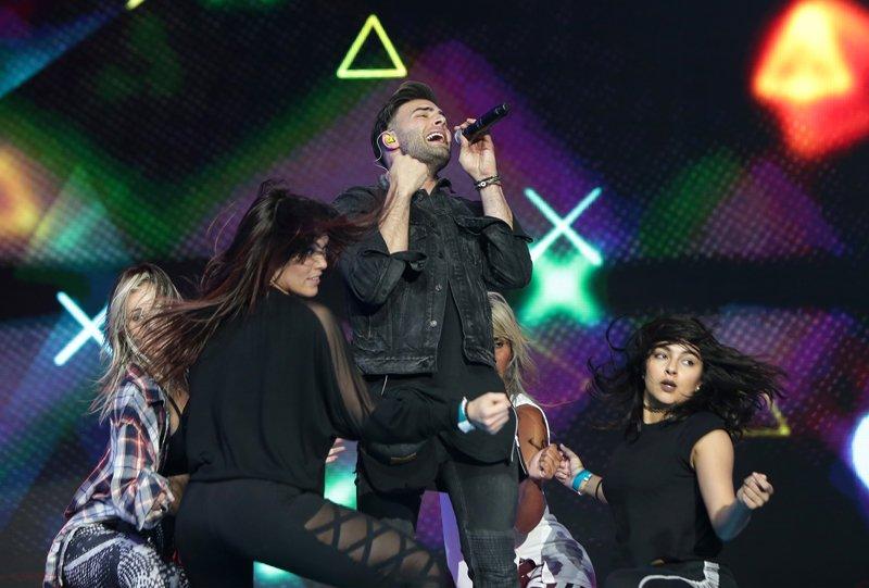 Jencarlos Canela se presentará junto a Gente de Zona en un dueto para los Premios Billboard de la Música Latina 2016 que se llevará a cabo este jueves 28 de abril.
