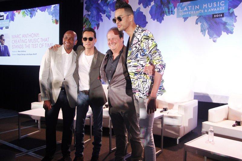 Junto con el estuvieron los productores Sergio George, Julio Reyes y Motiff.