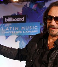 El cantante y compositor Marco Antonio Solís fue el encargado de cerrar con broche de oro la Conferencias de Billboard de la Música Latina.
