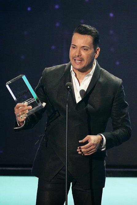 Víctor Manuelle se llevó el galardón como Álbum Tropical del Año.