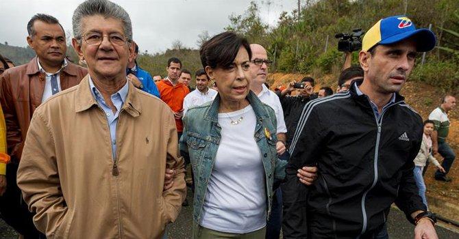 """Ramos Allup: """"militares venezolanos dijeron a Maduro que no reprimirán a la población"""""""