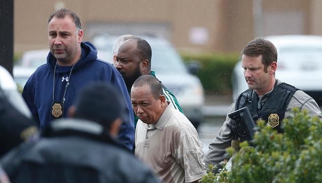 Policía arresta a Eulalio Tordil, de 62 años.