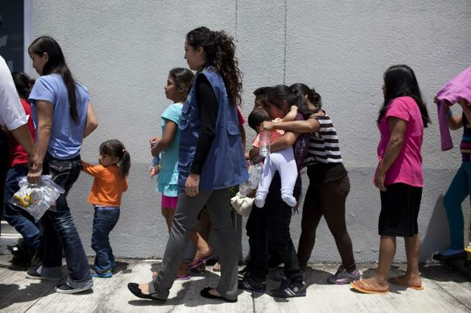 Gobierno de EEUU es demandado por rechazar solicitudes de asilo
