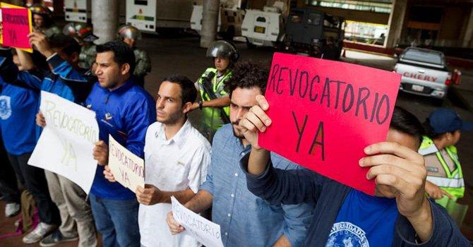 """EE.UU. considera """"desalentadora y terrible"""" la situación de Venezuela"""