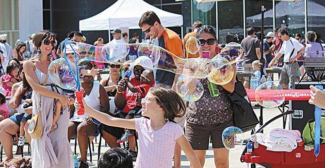 Fiesta de burbujas en el Long Center