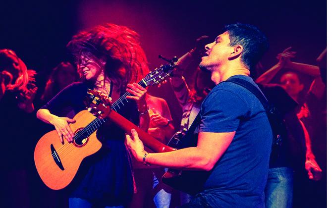 El dúo mexicano Rodrigo y Gabriela se presentan en el Kennedy Center