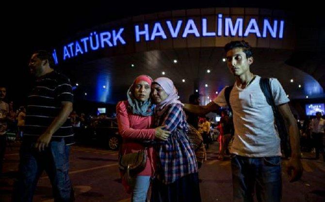 Un atentado suicida causa 36 muertos en el aeropuerto de Estambul