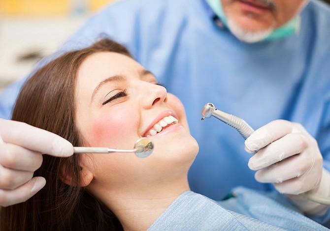 Discuten proyecto de ley para mejorar acceso a la salud dental en Massachusetts