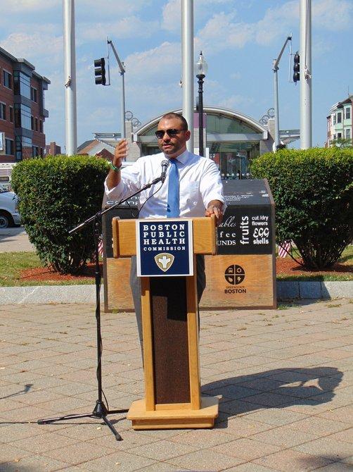 Felix G. Arroyo de Cithy of Boston resalt¢ la importancia de tener acceso a comida saludable